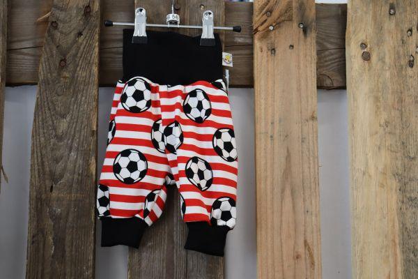 Kinderhose Gr. 56 Fußball rot/weiß