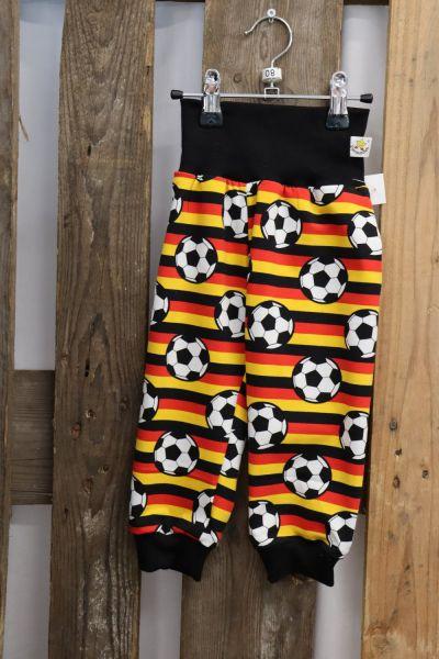 Kinderhose ab Gr. 56 Fußball schwaz rot Gold