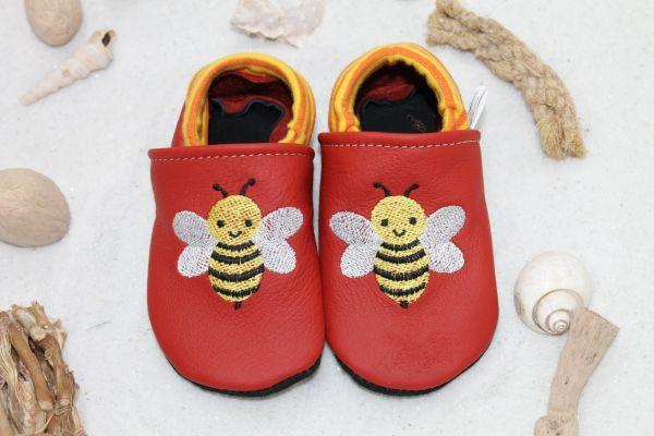 Lederpuschen mit Softbündchen Biene